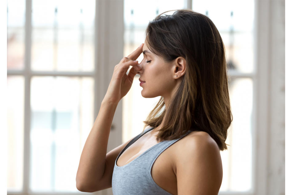 Chữa nấc bằng cách thay đổi nhịp thở và tư thế thở